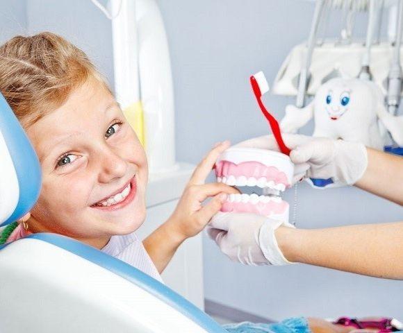 """В стоматологічній клініці """"Посмішка"""" особливу увагу в клініці приділяють дітям"""